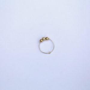 Bague en argent avec perles en argent massif et perles plaquées or Hanaya bijoux artisanaux de la créatrice Véronique Rident, Valence
