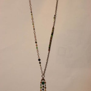 Collier Sautoir Liberty®, perles SWAROVSKI® ELEMENTS et magnésite Hanaya bijoux artisanaux de la créatrice Véronique Rident, Valence