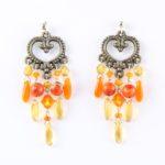 Boucles d'oreilles Hanaya bijoux, en argent massif et perles de magnésite, des perles de cristal SWAROVSKI® ELEMENTS et des dagues de cristal de Bohême.