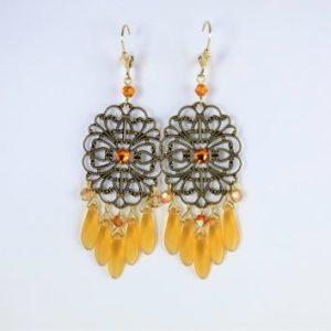 Boucles d'oreilles, pièce unique made in France, en perles SWAROVSKI® ELEMENTS et cristal de Bohême couleur topaze