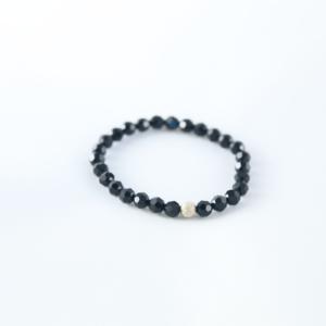 Bracelet en perles SWAROVSKI ELEMENTS® noir